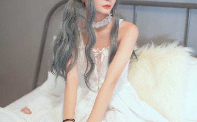 浅树迟栗-少女白裙私房
