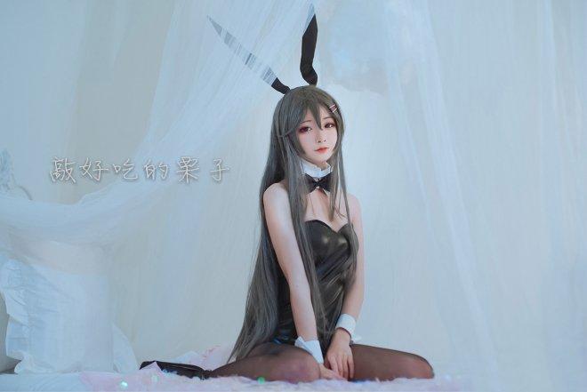 性感黑丝兔女郎