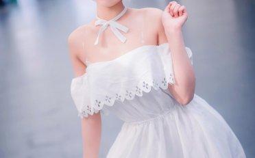 玛修白色小礼服